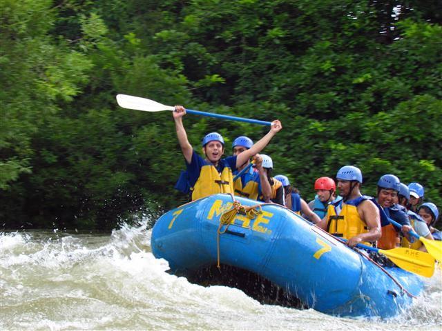 Get Adventurous this Monsoon..Go River Rafting at Kundalika!