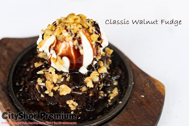 Relish the mouthful of desserts at Sizzling Brownie!