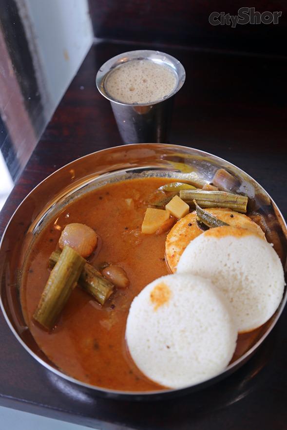 Idliwale Serves Idli with Mutton & Chicken Curry