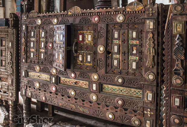 Exquisite Artifacts At Naresh Handicrafts