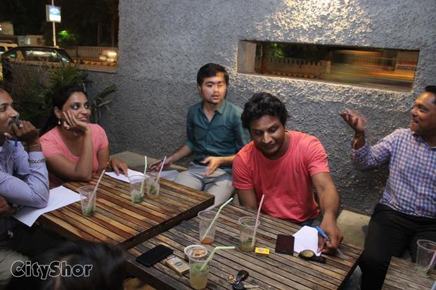 Foodies Meet at Cafe Where We Meet