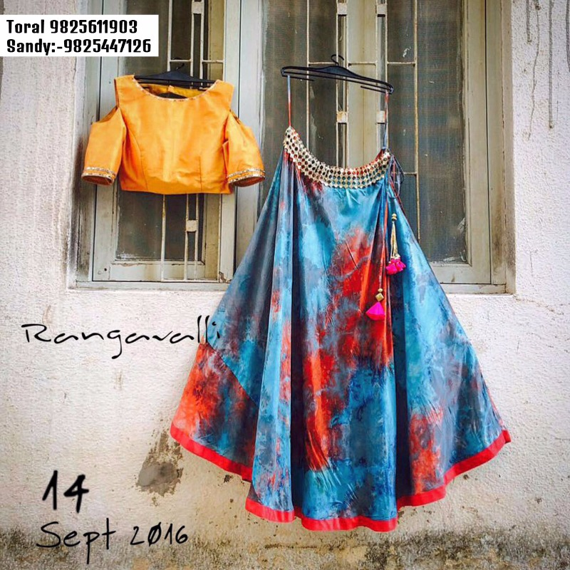 WALLFLOWERS brings the 'RANGAVALLI' Collection @Anay Gallery