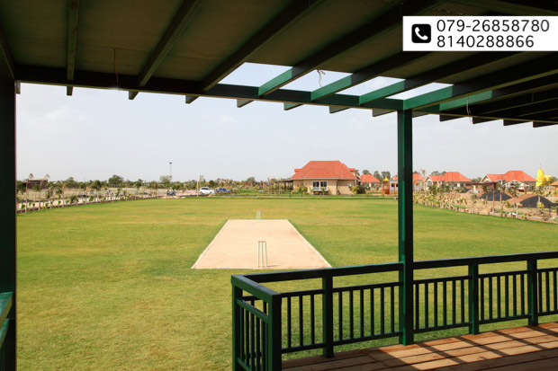 Glorious offer for the Weekday Traveller at 100 ACRES