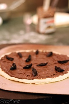 Yummy *Dessert Version of Pizza* for True Pizza Lovers!!