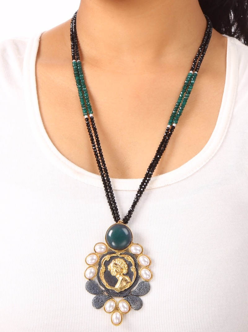 Get the best of Navratri Accessories and Jewellery @ Hi-Life