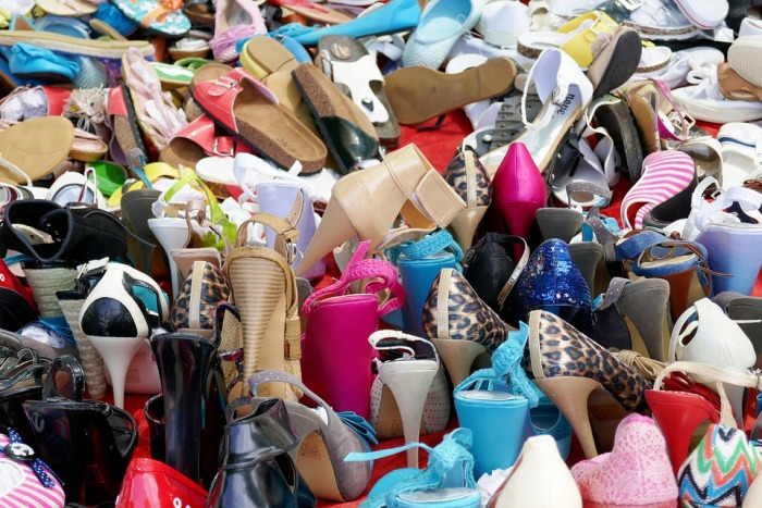 Classy Sneakers Under Rs 700 at these Shoe Shops!