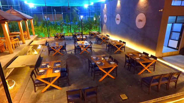 Relish your weekend at the open-air restaurant - Amane