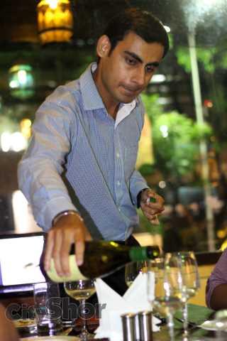 Foodies Meet #17 + Wine Tasting by Sula