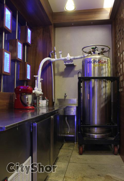 Open from 7 am to 1 am - 7ONE! (Serves Liquid Nitrogen Ice Cream)