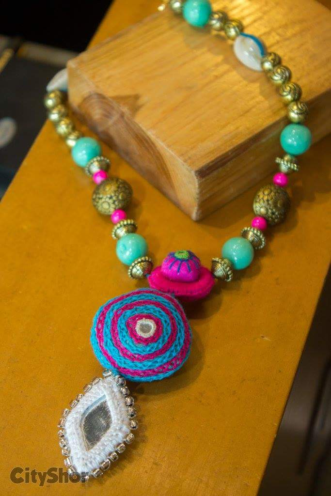 Exquisite accessories and jewellery at ANAY