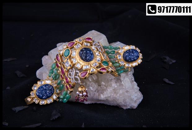 Striking jewellery and dresses by SAMRIDHI @ Anay