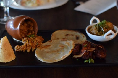 This Eatery in Dahisar Changes its Menu Every Two Weeks!