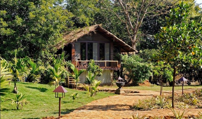 Spend a Luxurious Weekend at this Rive Side Cottage Resort!