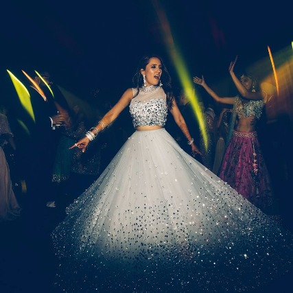 Bridal Wear to Pamper Your Bedazzling Self by this Label!