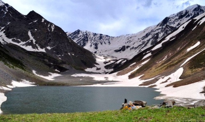 Take a Trek to Kareri Lake Within Rs. 5000 this Weekend!