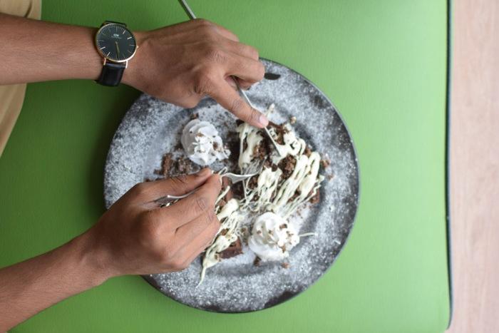 This Borivali Eatery Serves the Cheesiest Mac Cheese Pakoda