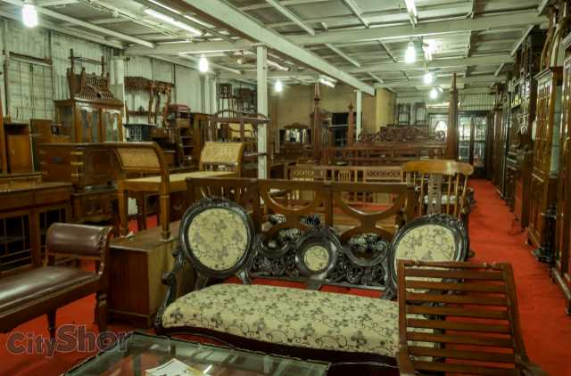Classy chor bazaar furniture psst see where that is in pune for Home decor furniture mumbai