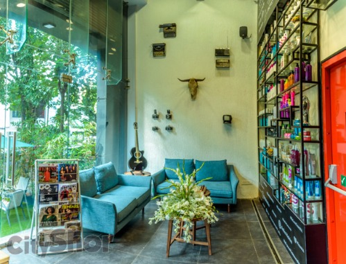 Celebrity Hairstylist Aalim Hakim Opens His Hair Lounge