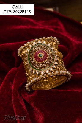 Adorn In Vogue Jewellery this wedding season from DB Zaveri