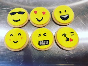Lipsmacking Emoji Cupcakes to Hog Within Your Budget by Glaz