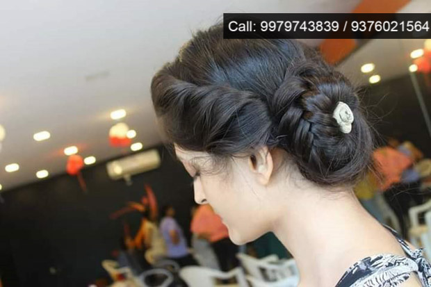 Makeup Hairdo Saree Draping & Styling Workshop by Finesse