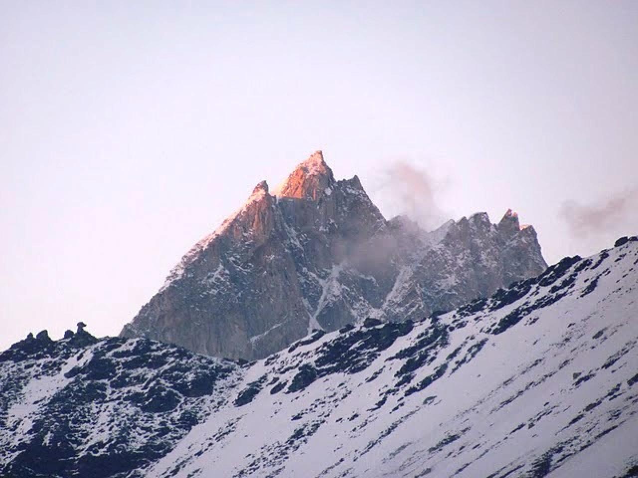 Chanderkhani Pass Trek by Mountain Hikers