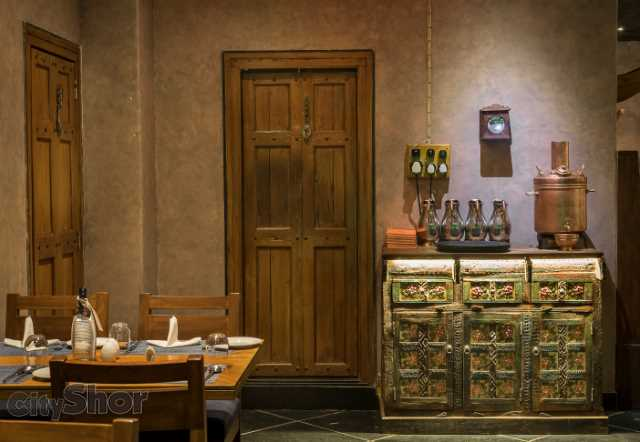 Enjoy A Traditional Meal In A Traditional Wada Like Décor