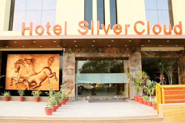 NEW YEAR PARTY at Hotel Silver Cloud