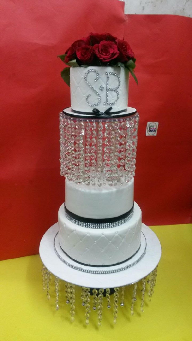 Want a wedding cake everyone will remember? LSD's the answer