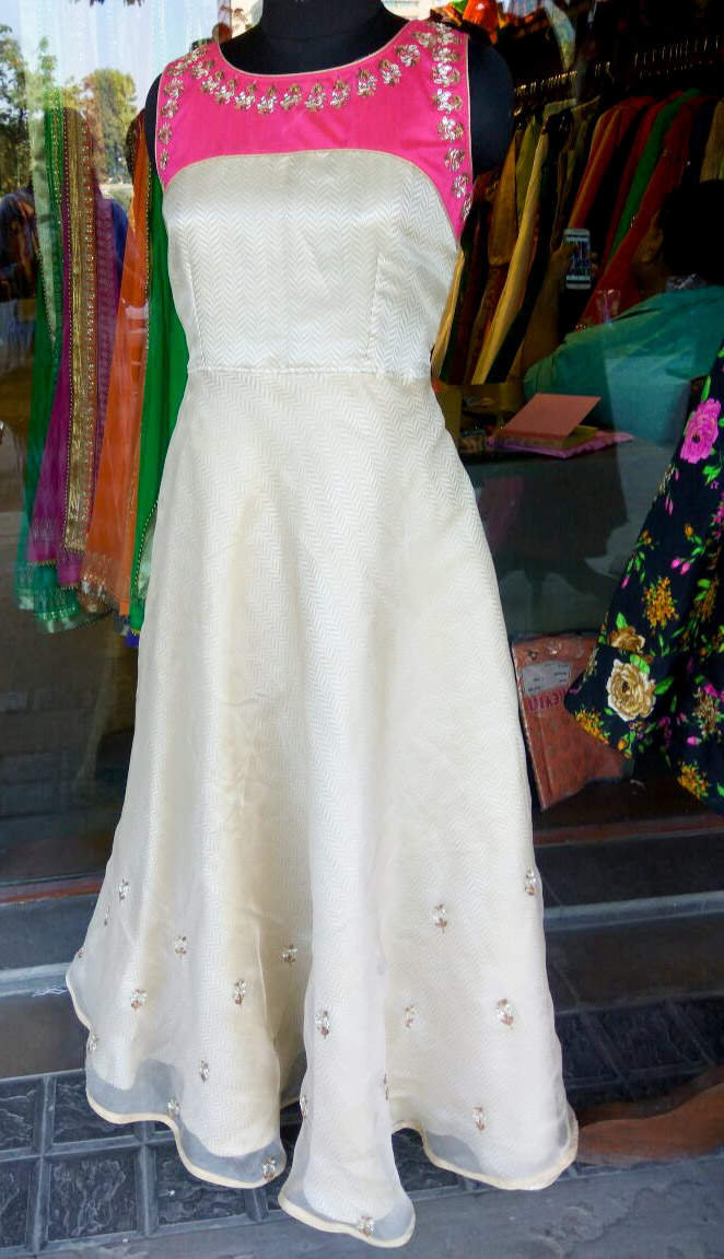Great Indian & western wear @ ANAY only for today! HURRY UP!