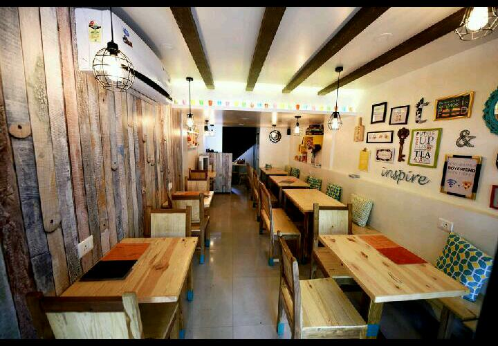 Like Cozy Cafes?Head to the newly opened Tea &Conversations!