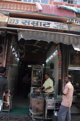 Samrat V/s Sardar Ji- Choose Your Favorite Kachori Wala