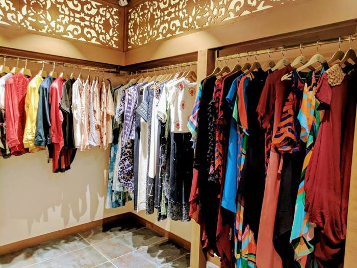 Rent A Wardrobe Under 3000 Rupees from this Store!