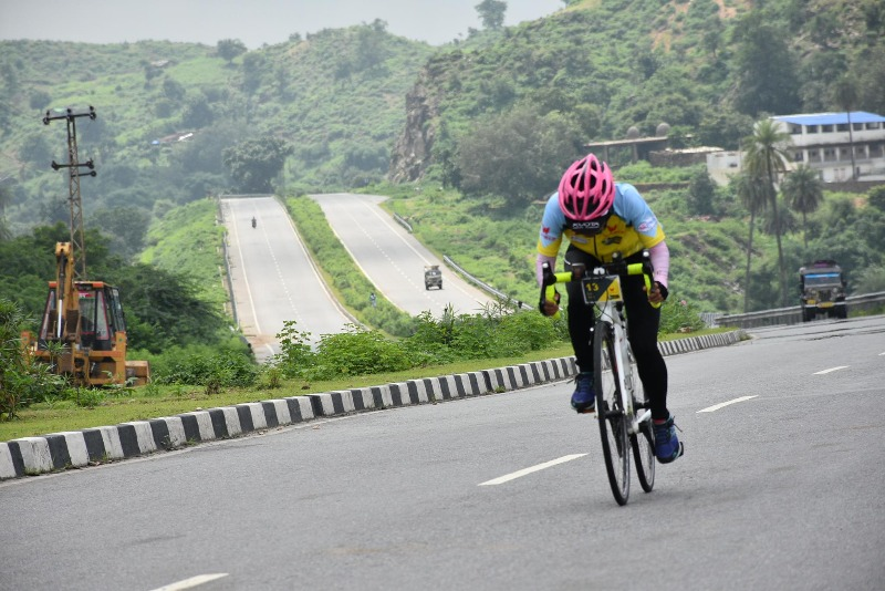 Pedal Up to the New Year by Cycling Through Nalsarovar!