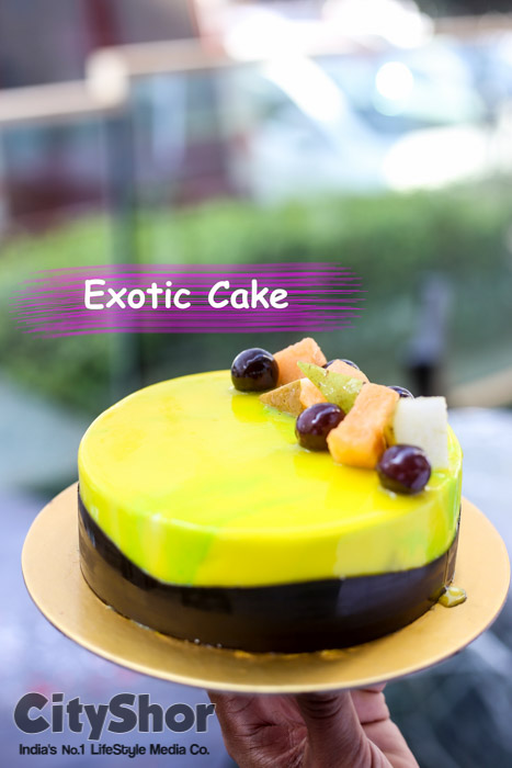 Best Cakes pastries & more for Christmas at Baking Edition
