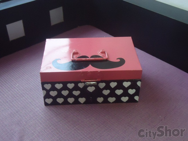 Fuchsia personalized gifts Ahmedabad