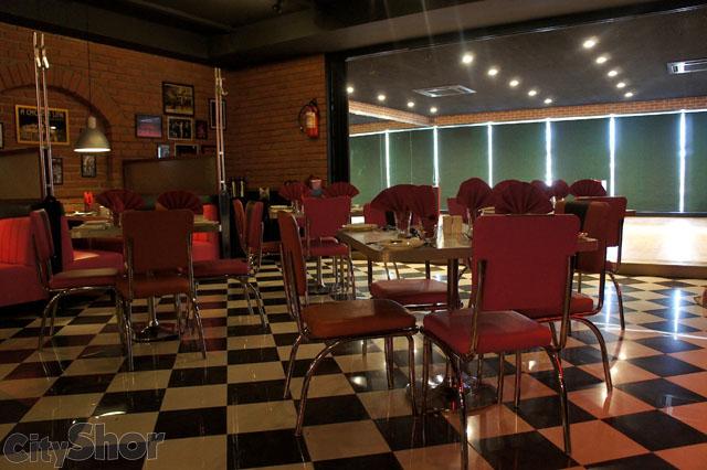 Spinning Tomato's Restaurant Ahmedabad