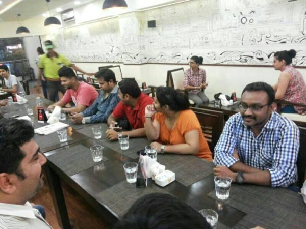 Tummyrats foodies meet in Ahmedabad