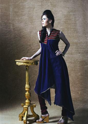 SAAJ by Shruti Sancheti at Deval Fashion Store